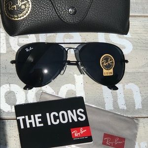 Ray Ban Sunglasses BLACK on BLACK